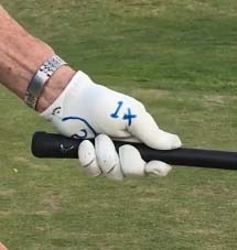 The left hand grip with a short thumb